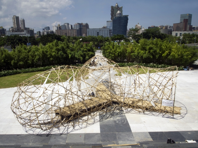 bamusstämme rampe skulptur design bambus